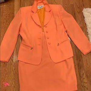 Orange blazer and skirt, Le Suit Petite 8P